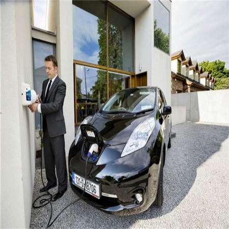 Hướng dẫn năm 2020 về cách sạc xe điện của bạn với các trạm sạc